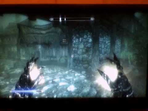 Skyrim: How to level up restoration and destruction fast