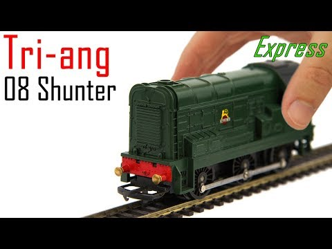 Unboxing the Triang 08 Shunter