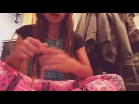 How to make a Hawaiian yarn lei