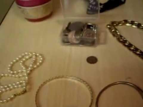 Jewellery pick ups video and fake gold off ebay. English picker 104