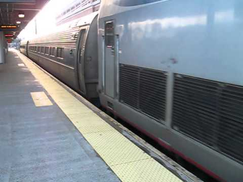 Springfield Shuttle train at New Haven Union Station