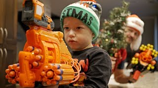 Nerf War: CHRISTMAS Grinch!