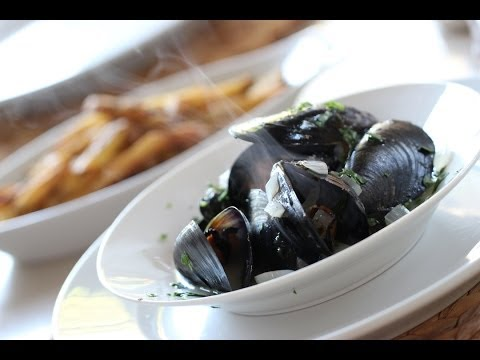 Beth's Easy Moules Frites | ENTERTAINING WITH BETH
