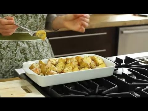 Oven-Roasted Potatoes With a Greek Seasoning : Greek Cooking