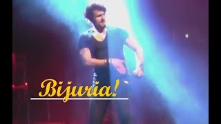 ♫ Sonu Nigam singing and dancing to BIJURIA ♫ - Live in the Netherlands 2018!