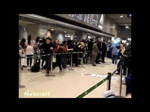 Michael Jackson at Narita Airport , Tokyo 2007 (amateur footage)