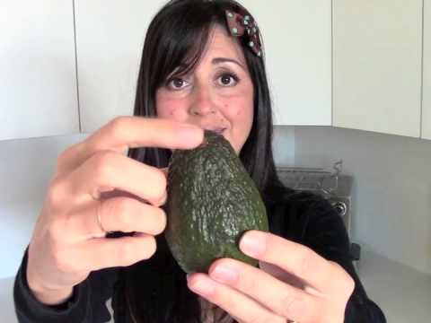 This is HOW to CHOOSE and STORE AVOCADOS silly! // Tasty Bit 27