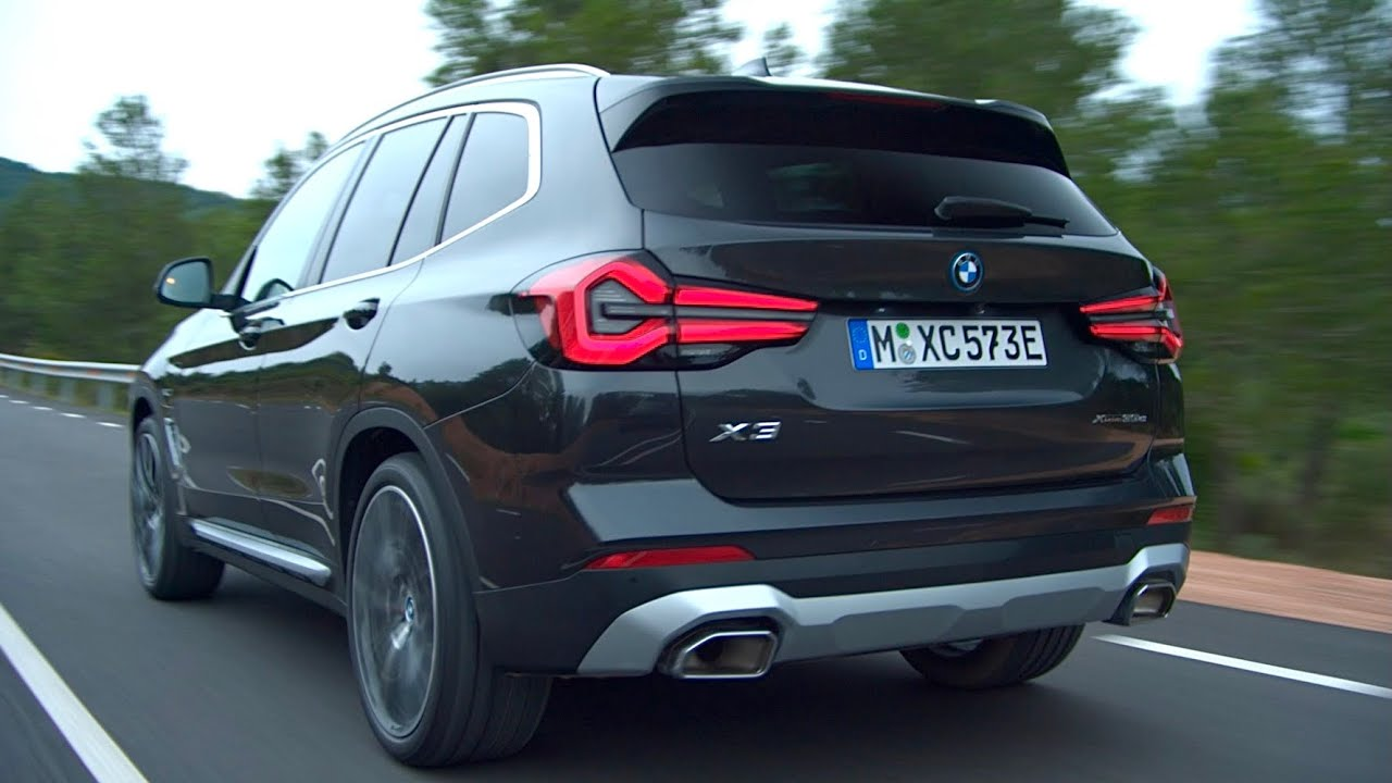 New BMW X3 2022 Facelift - FIRST LOOK exterior & interior