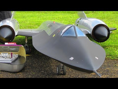 THE FLYING GUITAR PROTOTYPE A-12 RC TURBINE SCALE JET BY ROGER KNOBEL