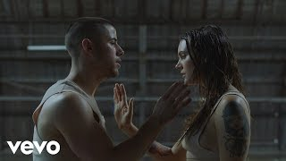 Nick Jonas ft. Tove Lo - Close  Available June 10. Pre-order now: http://smarturl.it/LastYearComplicated  http://vevo.ly/Mlr1jp