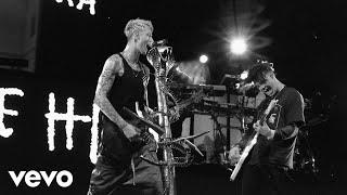 Machine Gun Kelly - I Think I'm OKAY (Live Denver Performance) ft. YUNGBLUD, Travis Barker