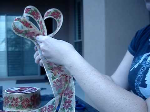 How to Make Decorative Bows For Wreaths