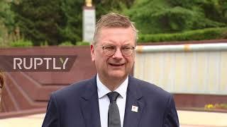 Russia: FIFA President and German Football Association visit war memorials