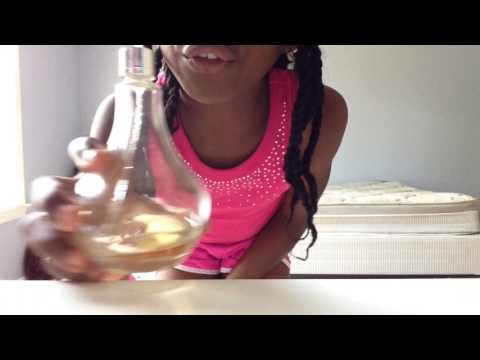 How to open a perfume bottle