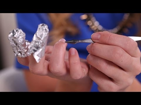 The Right Way to Remove Gel Nail Polish At Home | Beauty How To