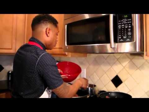 Lasagna with ground beef/Sausage secret special! Sin city Chef Boy Episode 6