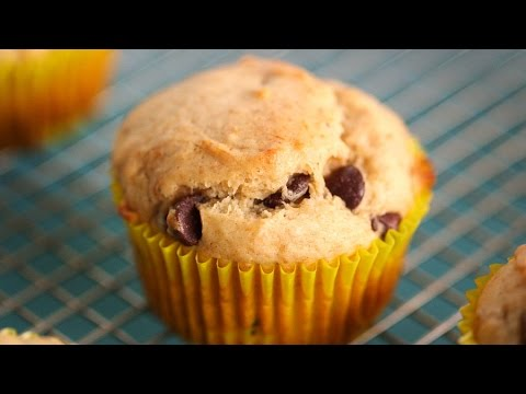 Easy Banana & Chocolate Chip Muffin - Everyday Food With Sarah Carey