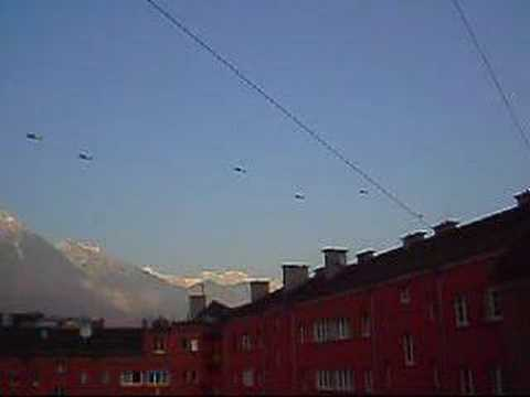 Apachi&Black-Hawk-Helicopter (US Army) in Innsbruck/Austria