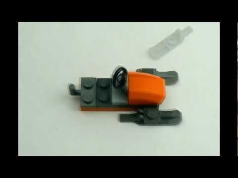 LEGO : construction d'un jet ski (orange).