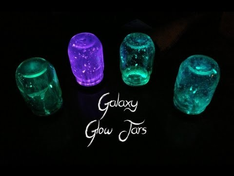Galaxy Glow Jars | DIY Decorating Ideas