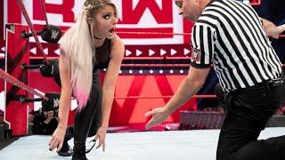 10 EMBARRASSING Wardrobe Malfunctions in WWE