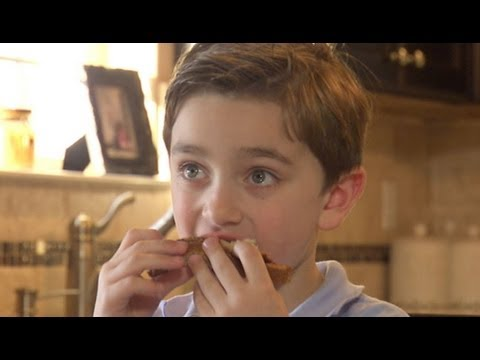 Boy With Severe Food Allergy Can Only Eat 7 Foods   Good Morning America   ABC News