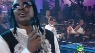 Stevie gives a rare studio concert at London