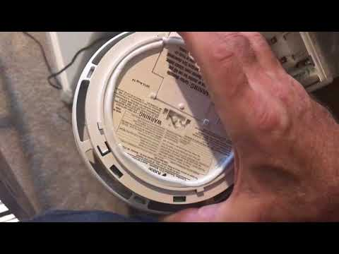 How to: Kidde Smoke and Carbon Monoxide detector change battery