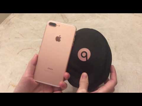 iPhone 7 Plus Rose Gold and Beats Solo 3 Wireless