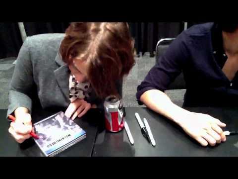 The Walking Dead Signing at 2011 NYCC
