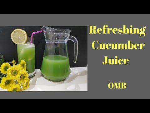 REFRESHING CUMCUMBER AND CELERY JUICE WITH GINGER AND PEAR
