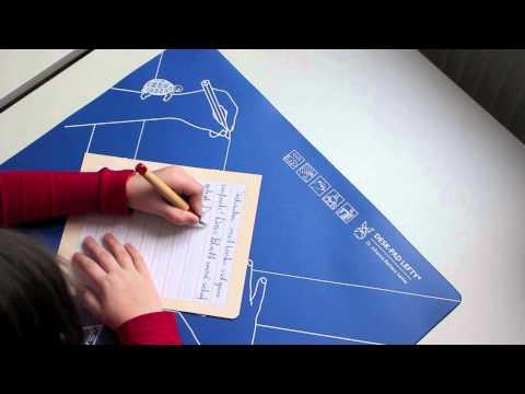 Schreibhaltung für linkshändige Kinder / writing posture for left-handed children