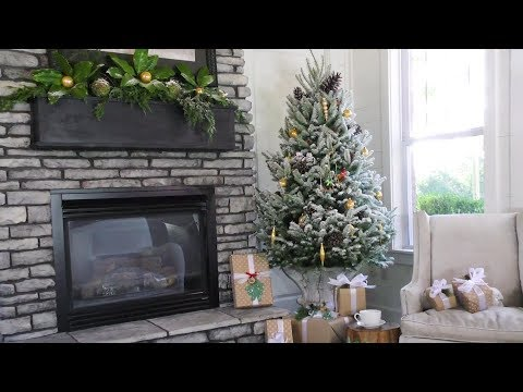 How To Flock A Christmas Tree | Southern Living