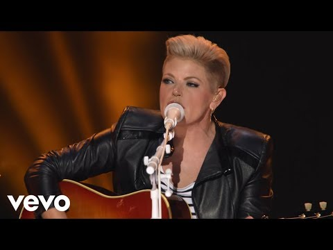Dixie Chicks - Travelin' Soldier (Live)