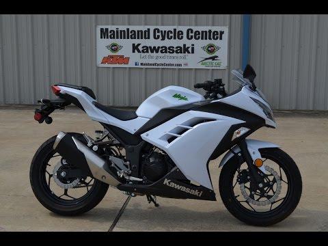 SALE $4,399:  2015 Kawasaki Ninja 300 Pearl Stardust White Overview and Review
