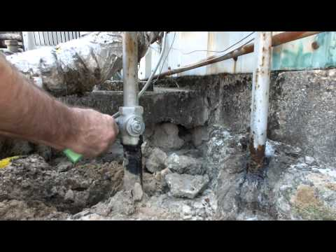 Natural Gas Leak Shuttoff Valve Pipe Cutting with Ridgid 42A 4 wheel cutter