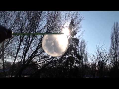 Watch a bubble freeze at 1° instantly.