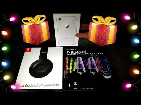 HUGE CHRISTMAS HAUL! Apple Store Dumpster Diving Christmas Day! Free Presents From Apple!
