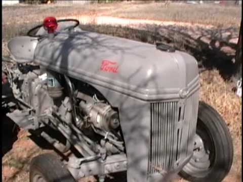 1940 Ford 9N tractor oil change and demonstration