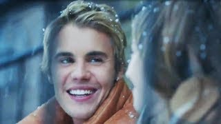 """Justin Bieber Sings """"Friends"""" & Plays Imaginary Boyfriend In ADORABLE Ad"""