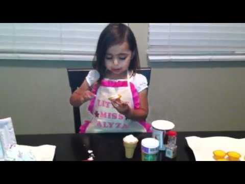 LittleMissAlyza How to Make an Ice Cream Cone Cupcake