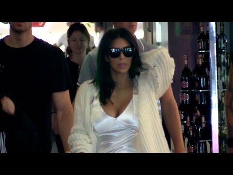 EXCLUSIVE: Kim Kardashian arriving at Nice airport during the 2016 Cannes film Festival