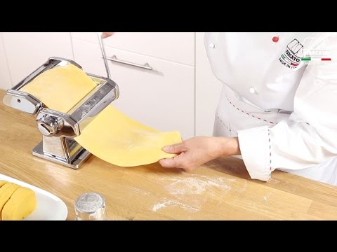 Homemade fresh pasta with Marcato Atlas 150 Classic - Video tutorial