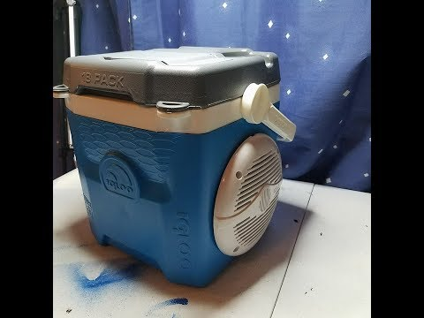 Igloo Cooler Boom Box With Bluetooth and FM Radio , ready for the beach!