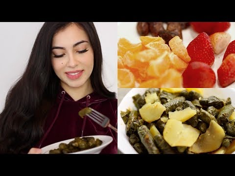 What I Eat In A Day & Palestinian Stuffed Grape Leaves Recipe