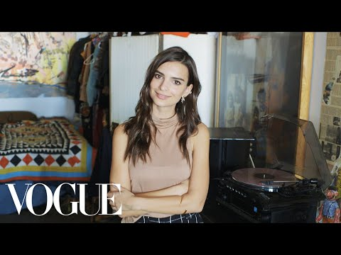 73 Questions With Emily Ratajkowski | Vogue