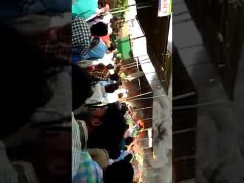 किसानों ने किया पथराव chartered bus me lagi aag Fire in AICTSL  BHOPAL to  INDORE BUS