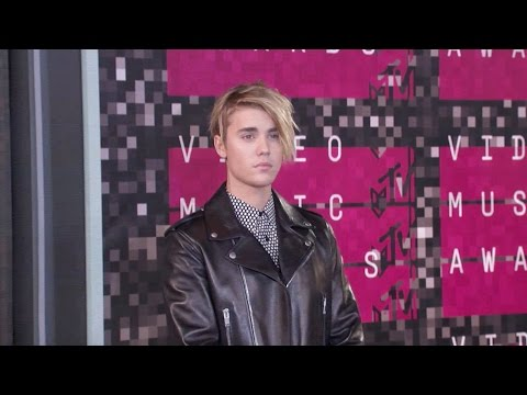 Justin Bieber NEW Hairstyle 2015 - VMA's
