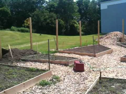 Elementary School Raised Garden Beds NH - The Patio Gardeners On Vacation 2010