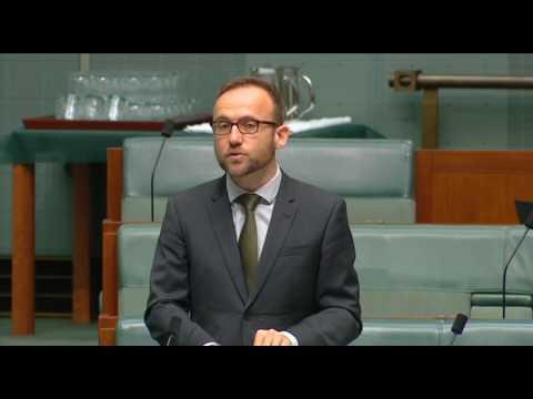 Adam Bandt introduces Renew Australia energy transition bill into Parliament